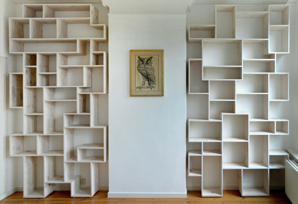 Made for an apartment in Amsterdam. Because of the narrow stairs and halls, each part was made out of 3 pieces.